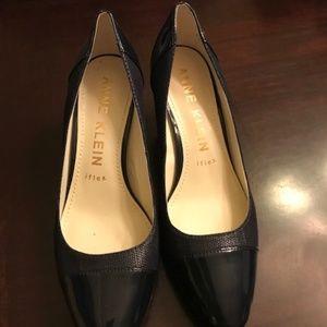 Size 8.5 Navy Blue Anne Klein Heels
